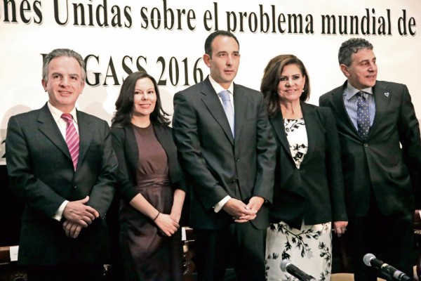 Empuja México nuevo enfoque antidrogas